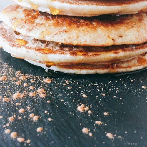 Pancakes con purea di mela soffici e delicati
