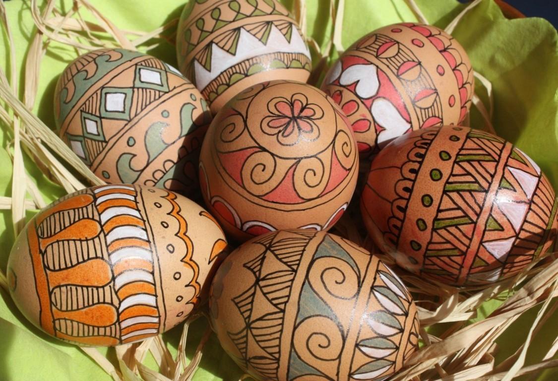 Come fare le uova di Pasqua colorate - Il gusto della semplicità