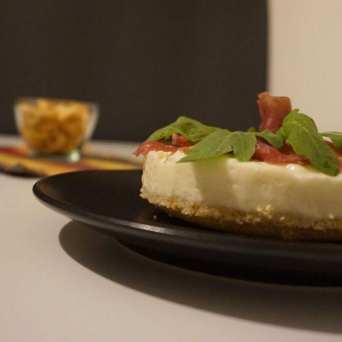 Cheesecake ai formaggi Tomasoni rucola e carne salada