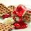 Cuori di waffle con composta di ciliegie